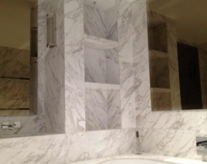 Bianco Floe White Marble Bathroom